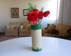 Vaso bambu natural verniz incolor.