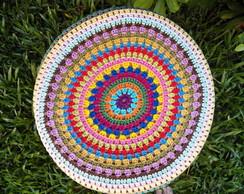 Capa em crochet multicolorido para banco