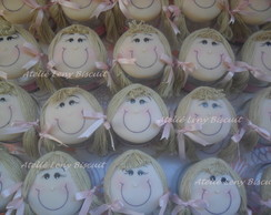 Lembran�as potinhos bonecas em biscuit