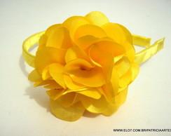 Tiara flor cam�lia 8 cm