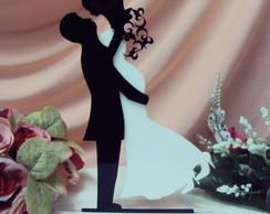 Topo de bolo silhueta casal  abra�ados