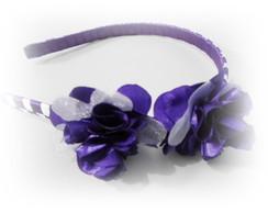 Tiara lil�s com flores de cetim