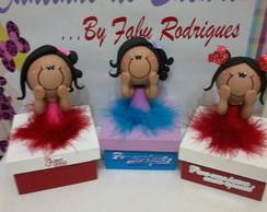 Caixinha decorada com boneca biscuit