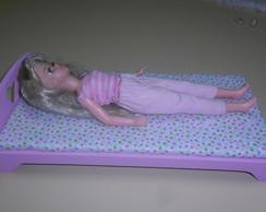 Cama para bonecas tipo Barbie