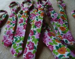 Mini Gravatinhas de Vi�s com Chaveiro