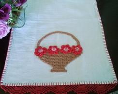 pano de copa com cesta e flores de fita