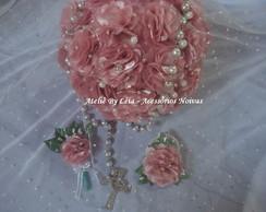 Buqu� de Noiva com Flores de Tecido.