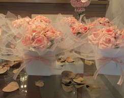Vasinho com mini-rosas tercinho & tule I