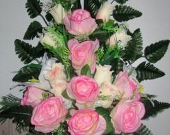 Arranjo de rosas com l�rio
