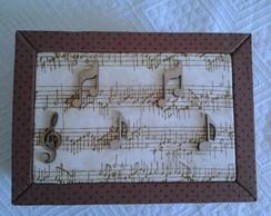 Caixa Forrada Tecido Musical
