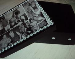Caixa com fotomontagem