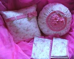 Kit fronhas e almofadas com croch�
