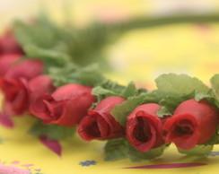 Tiara Rosas Vermelhas Pequenas