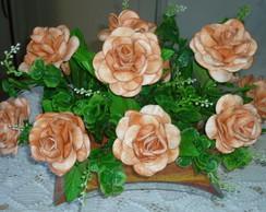 Arranjo com Rosas Matizadas em EVA