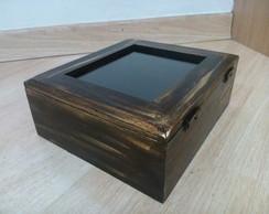 Caixa patina dourada e tampo de vidro