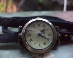 Rel�gio Vintage Preto Pulseira em Couro