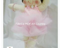 Boneca bailarina com 35 cm de altura