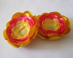Par Flores Cetim Amarelo Ouro Rosa