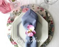 Sousplat com capa em tecido florido