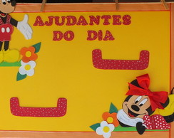 Mural Ajudantes do dia Mickey e Minnie