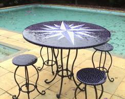 mesa mosaico com banquetas