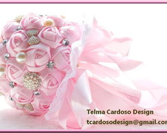 BOUQUET FLORES CETIM E BROCHES