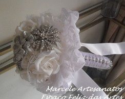 Bouquet de Broches Branco Renda m�d.