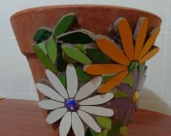Vaso r�stico com mosaico