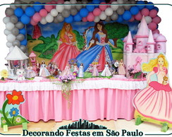 Decora��o Mesa Barbie Princesa e Pleb�ia