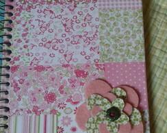 Caderno encapado com tecido e decorado