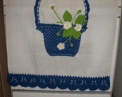 Pano de prato com cesta de flores