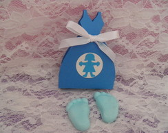 caixa vestido com par de pezinhos de sab