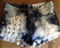 Shorts jeans customizado tachinhas