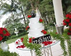 Bolo Casamento flores vermelhas