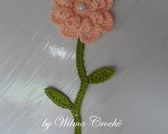 Flores com caule em croch�