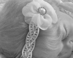 Faixa PRINCESA branca c/ flor 5cm