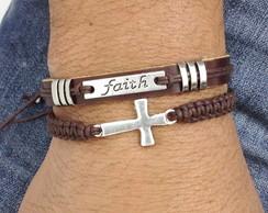 Pulseira couro placa faith e crucifixo