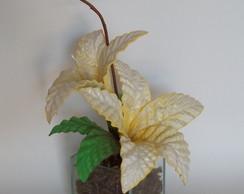 Arranjo de Flores em Eva - L�rios