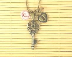Colar chave e cadeado