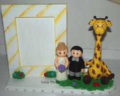 Porta retrato girafa com casal de noivos