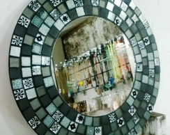 Espelho com pastilhas de vidro