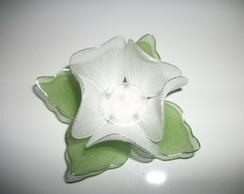 Forma de doces finos em meia de seda