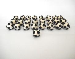 Aplique bola de futebol em biscuit.
