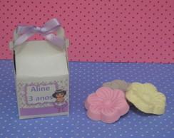 caixinha com 3 sabonetes da Dora aventur