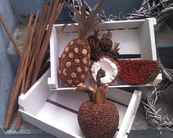 Cesta de diversas frutas