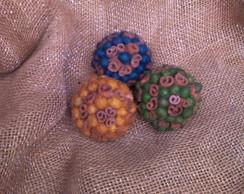 bolas de diversos di�metros e sementes