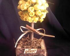 �rvore de mini rosa amarela