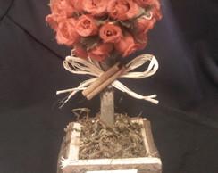 �rvore de mini rosa vermelho