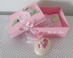 Caixa Flor de feltro ... Borboleta ...