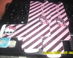 caixa kit manicure (Monster High)